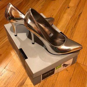 SALE❗️Mossimo Silver Heels